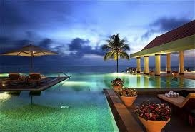 Tour Package - Luxury Beach and Backwater - Leela Kovalam & Raviz Kollam